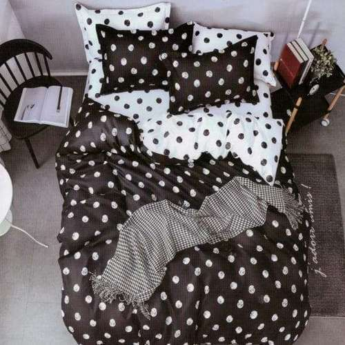 fekete fehér színben nagy pöttyös ágyneműhuzat