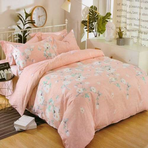 krepp ágyneműhuzat barack színben virágokkal