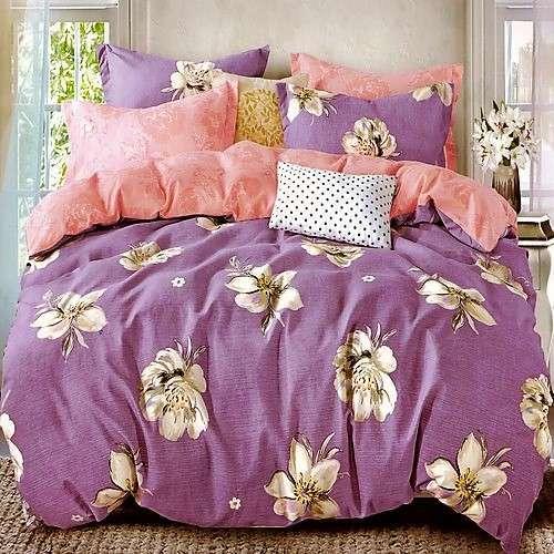 lila és rózsaszín virágos pamut ágynemű