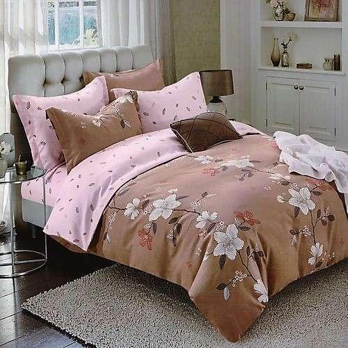 világos és bézs színben virágok ágyneműhuzat