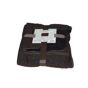barna fekete színben puha takaró pléd
