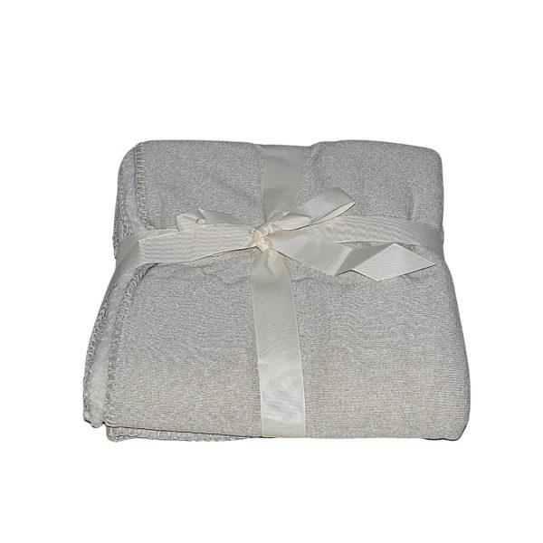 világos és szürke színben puha takaró egy személyes