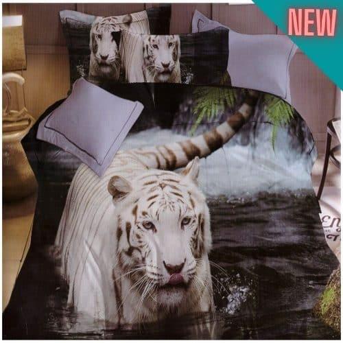 vízben sétáló tigris mintás ágyneműhuzat