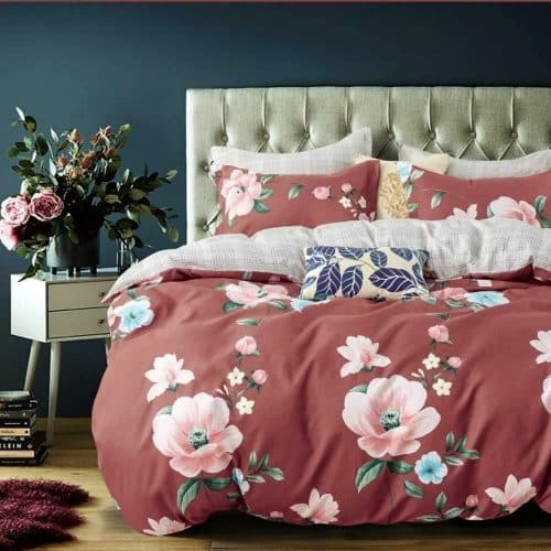 mályva alapon nagy virág mintás ágynemű