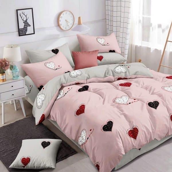 szürke rózsaszín szivecske mintás ágynemű