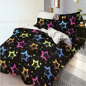 fekete alapon színes csillagok sűrűn ágynemű